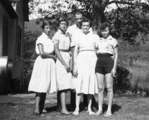 2 Unknown girls with Jacy and Eva Dooley and Lillian Atkins